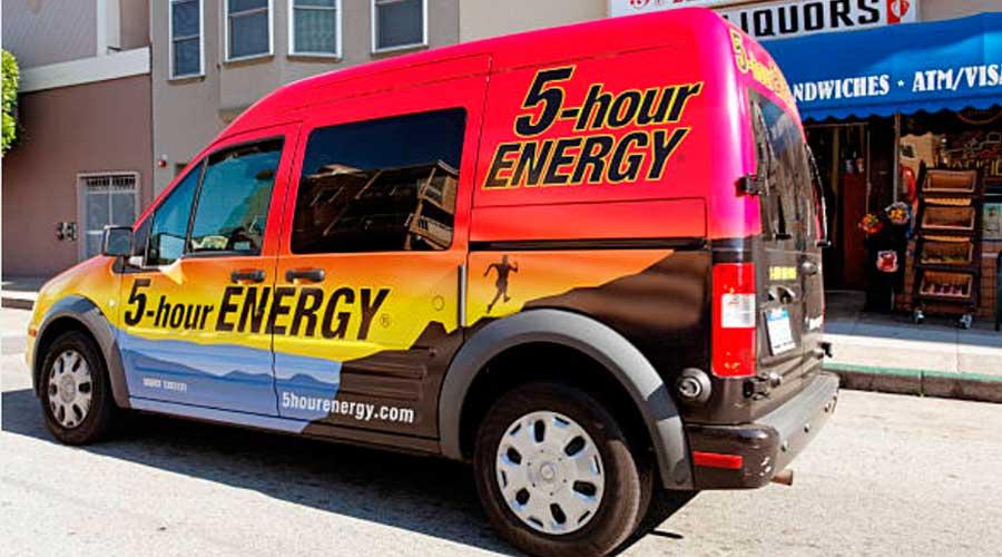 furgoneta-con-vinilo-de-publicidad